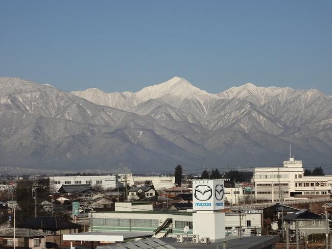 松本市内から眺める北アルプス
