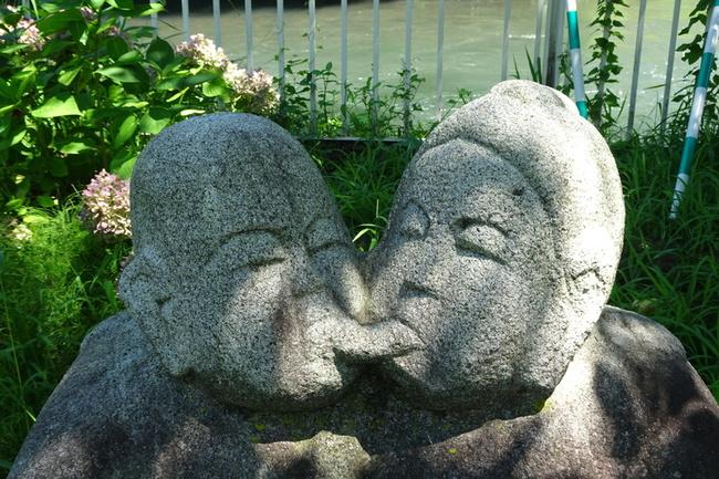 接吻道祖神