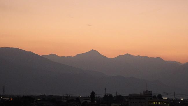 夕陽に染まる北アルプス