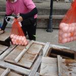 野沢温泉村にある足湯「湯らり」は温泉卵も作れます。