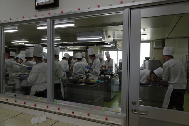 松本調理師製菓師専門学校の厨房
