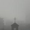 霧の松本は盆地ならではの晩秋の光景