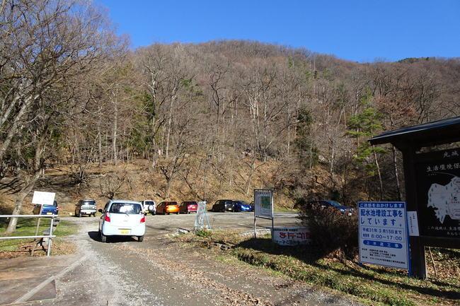 光城山の登山者用駐車場