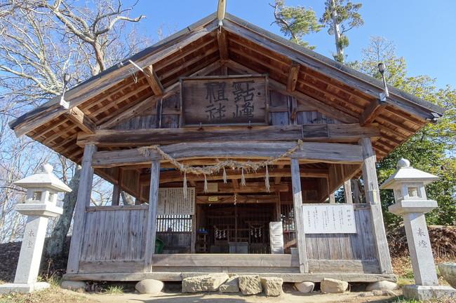 正面から見た古峯神社